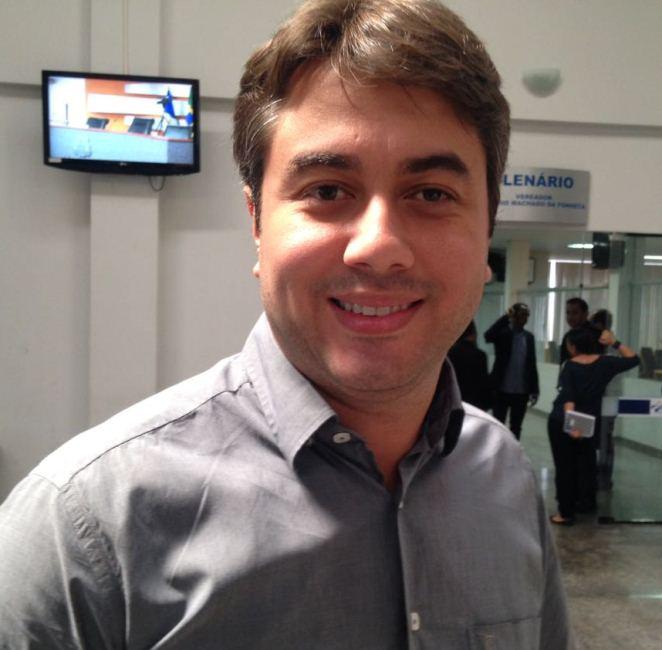 Diogo Fernandes confirmou na manhã de hoje sua pré-candidatura à presidência da Câmara