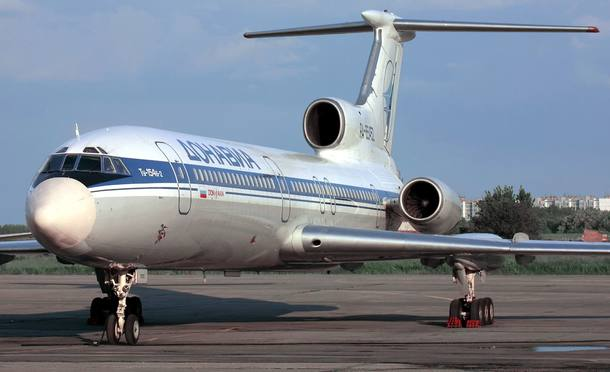 (FILES) This file photo taken on January 2, 2001 shows a Tupolev-154 (TU-154) aircraft.  A Russian military plane crashed on December 25, 2016 in the Black Sea as it made its way to Syria with 91 people onboard, including musicians heading to celebrate the New Year with troops. Local news agencies, citing the defence ministry, said the Tu-154 plane had crashed shortly after taking off from the southern city of Adler, south of the Black Sea resort city of Sochi, at 5:40 am local time (0240 GMT).  / AFP PHOTO / Alexander NEMENOV