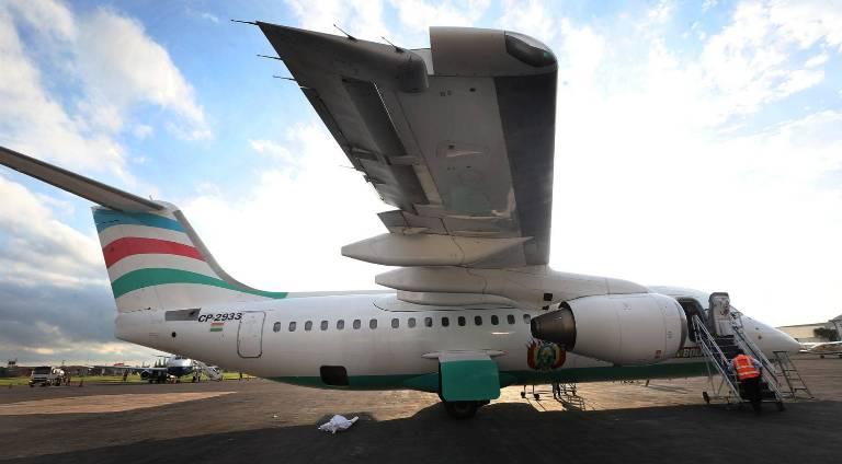 Autoridades de Brasil, Colômbia e Bolívia investigarão o acidente do avião da empresa LaMia, que deixou 71 mortos. REUTERS