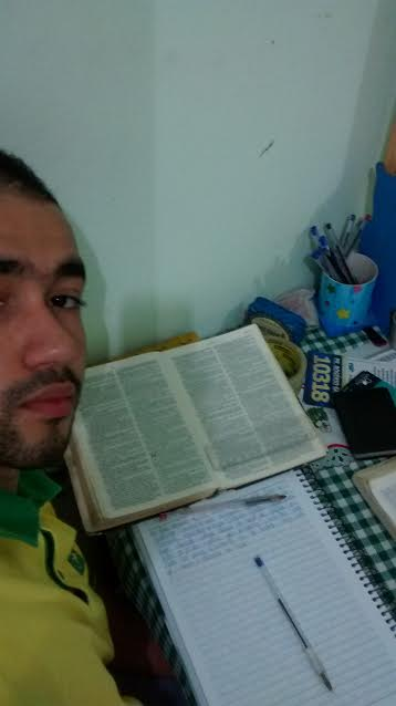 jovem-biblia