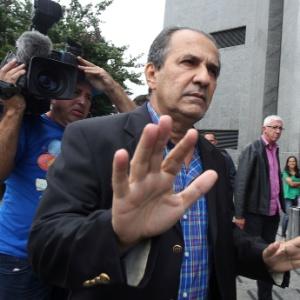 O pastor Silas Malafaia chega para depor na sede da Polícia Federal em São Paulo, na zona oeste da cidade, na tarde desta sexta-feira (16)