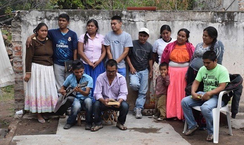 Trinta pessoas da comunidade de Tuxpan de Bolaños, no oeste do México, foram forçadas a sair de suas casas em janeiro de 2016. (Foto: Portas Abertas).