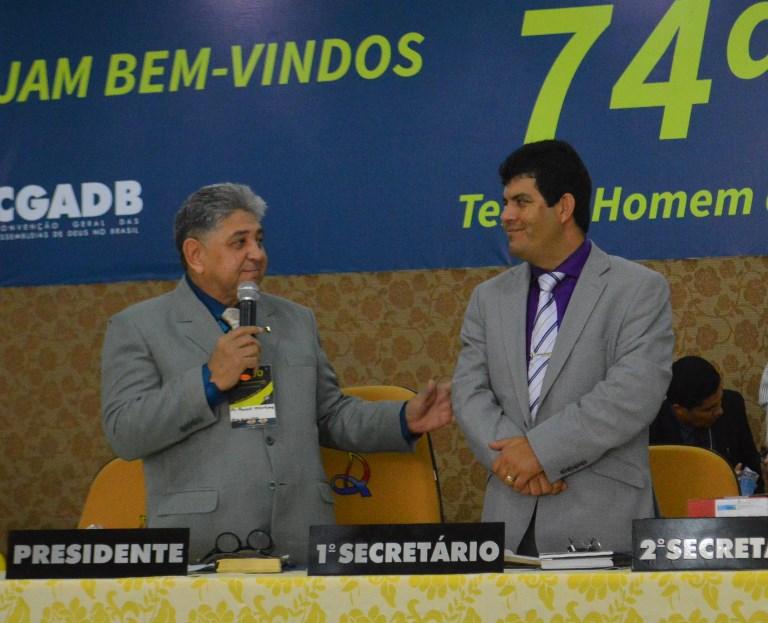 Pastor Paulo Martins e o líder da Ceaddif, pastor Giovani Neres - Foto: Ricardo Costa