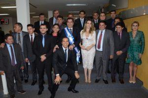 Vereadores empossados, juntamente com o prefeito Carlos Amastha, Cinthia Ribeiro e o senador Ataídes Oliveira