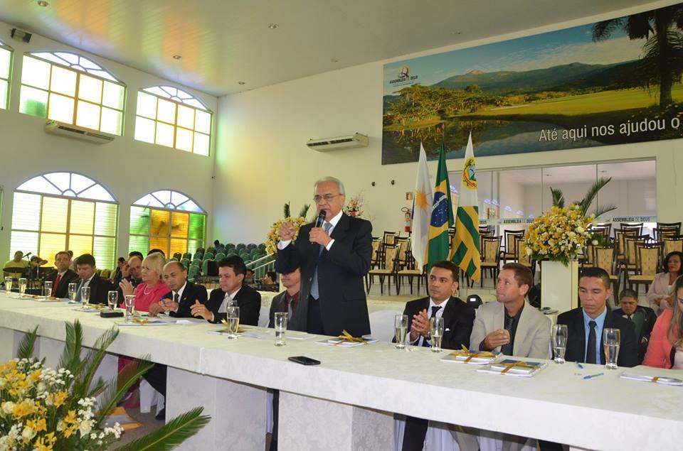 Moisés Avelino toma posse em templo da Ciadseta em Paraíso do Tocantins