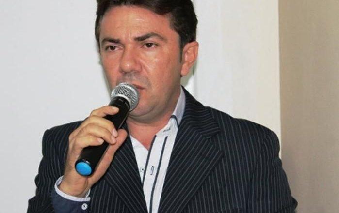 prefeito eleito no município de Santana do Piauí, Francisco Raimundo de Moura
