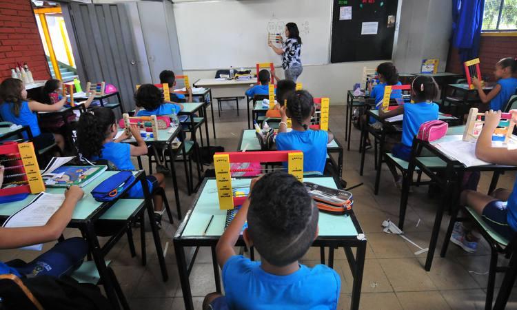 STF julga ensino religioso nas escolas