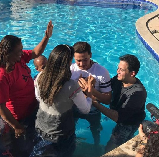 Wesley Safadão agora é evangélico, convertido na Igreja Batista da Lagoinha