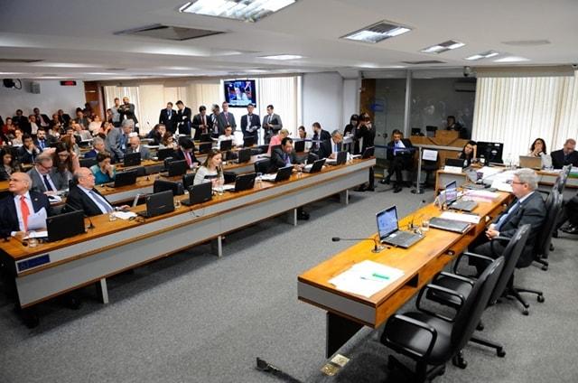 Servidor: CCJ do Senado aprova demissão por desempenho