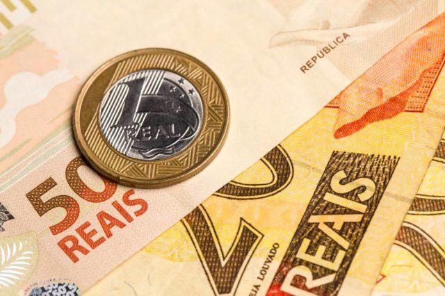 Temer assina decreto que fixa em R$ 954 o mínimo em 2018