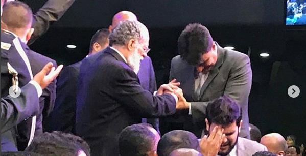Ex-ator Guilherme de Pádua é ordenado pastor de igreja